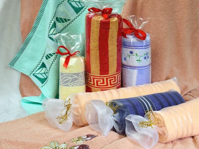 Как оформить вафельное полотенце в подарок своими руками 75
